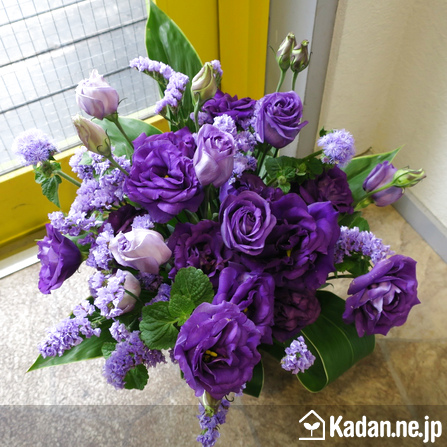 Florist's creation #67770 for Obon : Festival of the Souls by Kadan.ne.jp, the flower terminal of Japan.