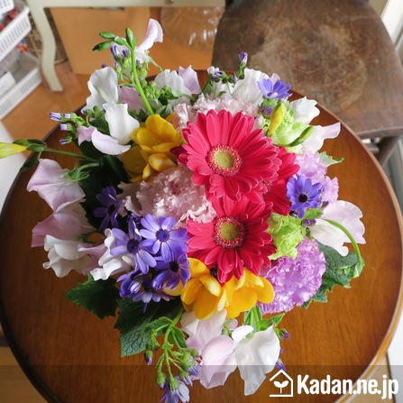 Florist's creation #71106 for Thank You Flower by Kadan.ne.jp, the flower terminal of Japan.