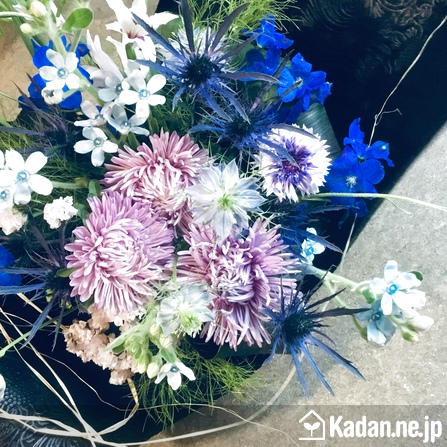 Florist's creation #71564 for Sympathy for Pet Owner by Kadan.ne.jp, the flower terminal of Japan.