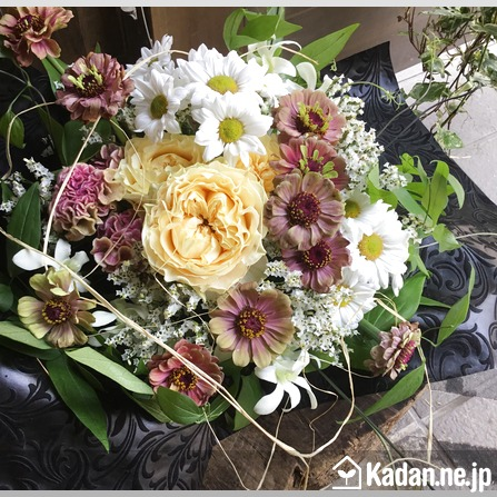 Florist's creation #71852 for Condolence by Kadan.ne.jp, the flower terminal of Japan.