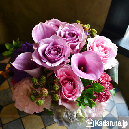 Florist's creation #71934 for Birthday by Kadan.ne.jp, the flower terminal of Japan.