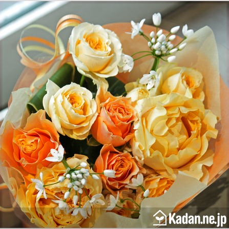 Florist's creation #72776 for Condolence by Kadan.ne.jp, the flower terminal of Japan.