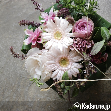 Florist's creation #73326 for Thank You Flower by Kadan.ne.jp, the flower terminal of Japan.