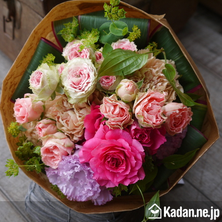 Florist's creation #73425 for Birthday by Kadan.ne.jp, the flower terminal of Japan.